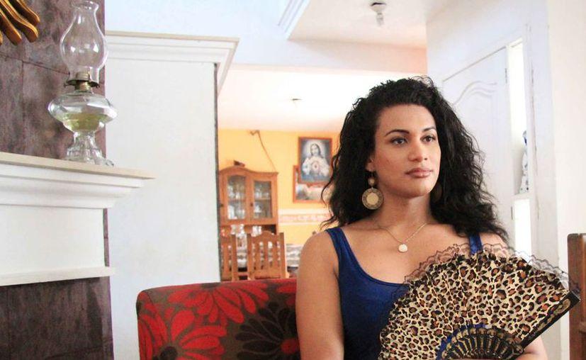 Kissha es de las pocas mujeres transexuales que ha recibido el apoyo de su familia en México. (Luis Soto/SIPSE)