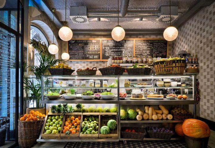 Más de 12 mil restaurantes de cadena que existen México, siguen incorporando menús lights o bajos en calorías. (SIPSE)