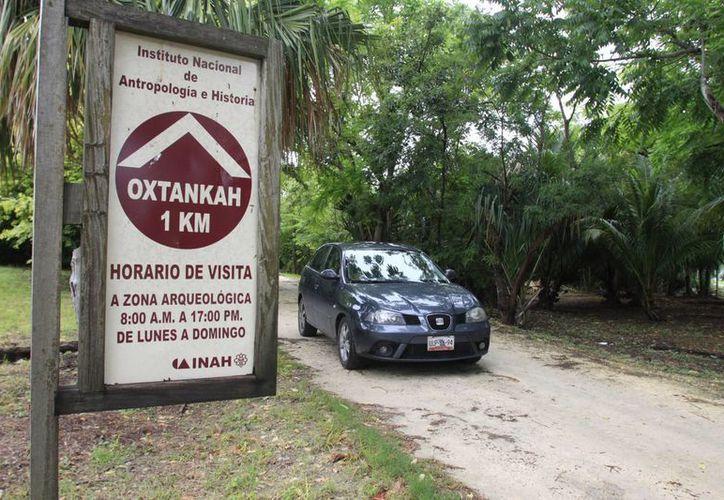 Visitantes que han arribado a Oxtankah han reportado al INAH la necesidad de tener vigilancia policíaca. (Harold Alcocer/SIPSE)