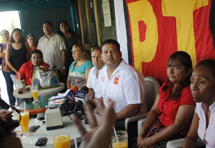 Candidatos invitan a seguidores a conocer planes de gobierno. (Tomás Álvarez/SIPSE)
