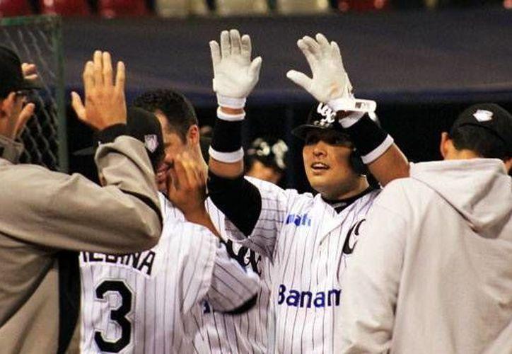 Guerreros ganó crucial partido a Leones en la lucha por clasificar a playoffs. (Milenio Novedades)
