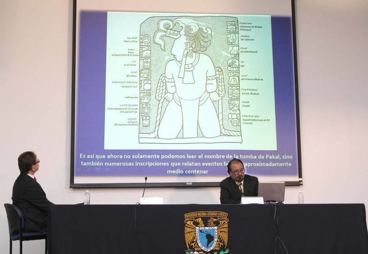 """Investigadores del Centro de Estudios Mayas, del Instituto de Investigaciones Filológicas de la UNAM, descifraron el glifo maya T514, que significa yej: """"filo"""", una escritura inminente que se presenta en numerosas inscripciones que relatan eventos bélicos como capturas de prisioneros, entradas militares a ciudades y otros sucesos marciales del periodo Clásico Maya. (Notimex)"""