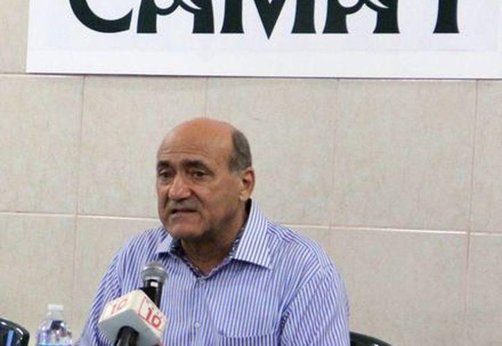 Ricardo Dájer Nahum,dirigente del sector hotelero, presentó la campaña de ofertas de los hoteles asociados a Camhy. (Milenio Novedades)