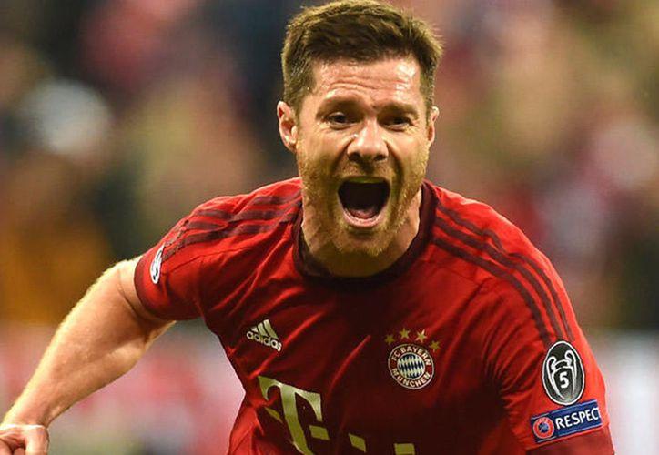 El español Xabi Alonso jugó para Real Sociedad, Eibar Liverpool, Real Madrid y actualmente defiende al Bayern Múnich.(Archivo/AP)