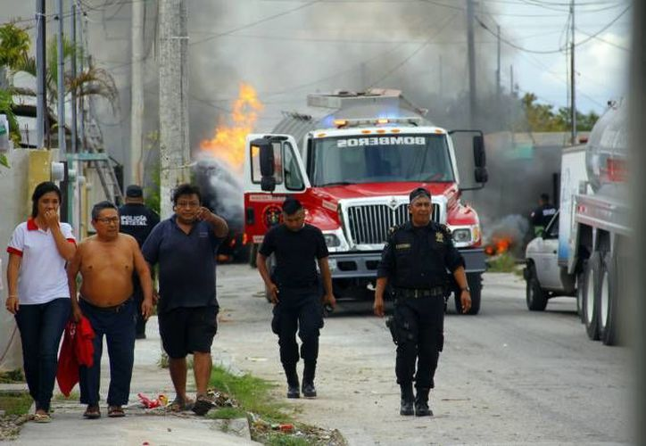 La explosión se dio en Polígono 108 CTM, por error del conductor de una pipa de Gas Tomza cuando surtía de combustible a la tortillería <i>La Mano Poderosa</i>. (Milenio Novedades)