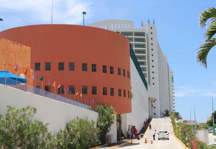 Los diputados de Quintana Roo analizaron el refinanciamiento de la deuda pública de Soldiaridad en el hotel Great Parnassus de Cancún. (Luis Soto/SIPSE)