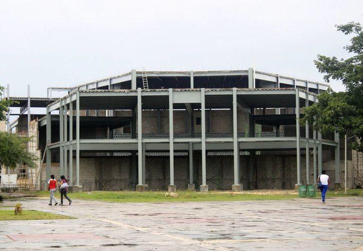 Invierten millones de pesos para la Uqroo de Cancún. (Redacción/SIPSE)