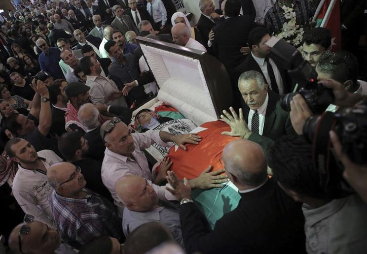 Jordania ordenó la ejecución de los responsables de la muerte de Nahed Hattar, en septiembre pasado. El autor era crítico del extremismo islámico. (AP/Raad Adayleh)