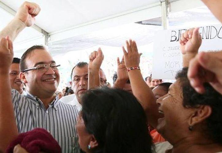 El gobierno de Javier Duarte, también registra uno de los crecimientos más acelerados de deuda. (twitter.com/Javier_Duarte)