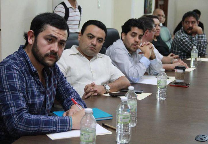 Aspecto de las mesas de trabajo que organiza la Fundación Colosio Yucatán para conformar la plataforma electoral 2015 del PRI. (SIPSE)