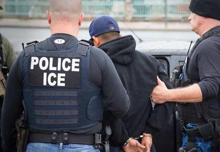 A principios de la semana pasada dieron inicio las redadas en busca de personas indocumentadas en diferentes puntos de EU.(Muhammed Muheisen/AP)