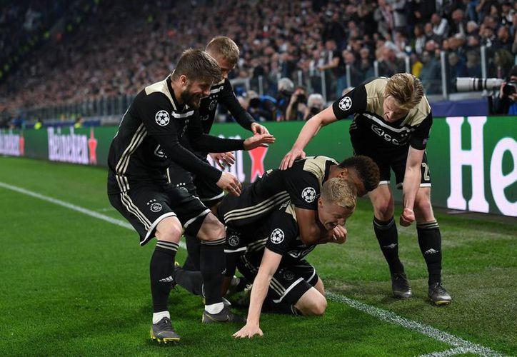 Sin hacer mucho ruido, el Ajax ya es semifinalista de Europa (Foto: @AFCAjax)
