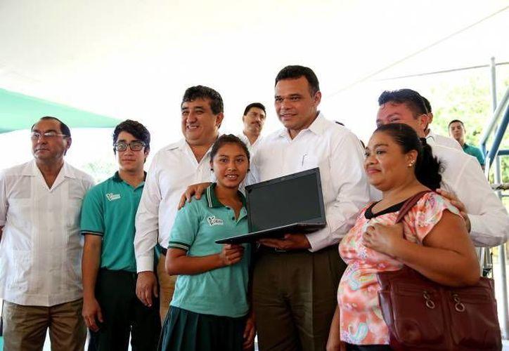 El gobernador Rolando Zapata tiene dos eventos oficiales para este miércoles, entre ellos la Entrega del Premio Yucatán al Emprendedor, edición 2014. (SIPSE)
