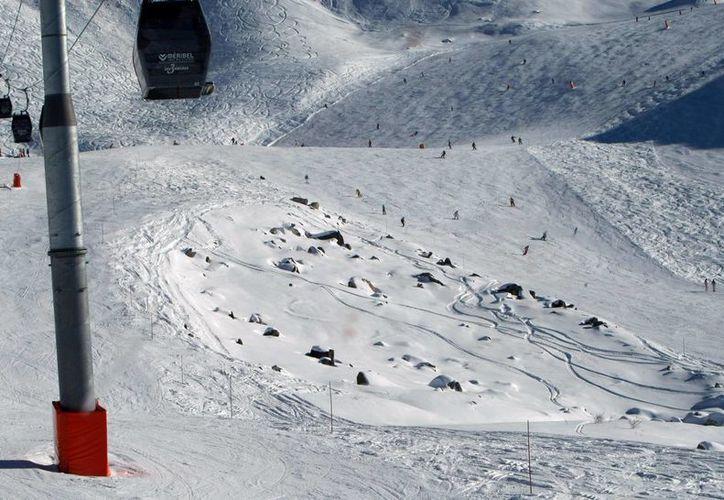 Esta es la zona en la que se accidentó el expiloto alemán de Fórmula Uno, Michael Schumacher, mientras esquiaba en Los Alpes. (Agencias)