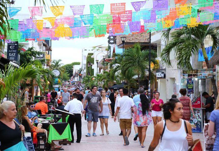En Playa del Carmen esperan 770 mil turistas nacionales e internacionales para Navidad y Fin de Año. (Redacción/SIPSE)