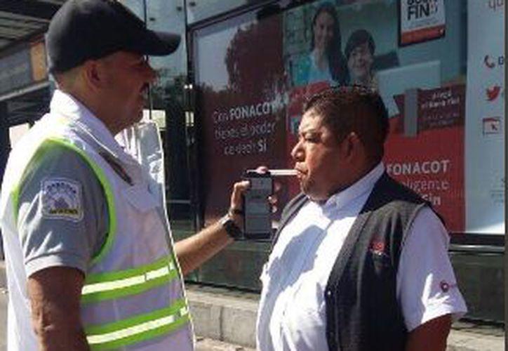 El programa Conduce sin Alcohol, es un operativo de la policía capitalina. (Twitter)