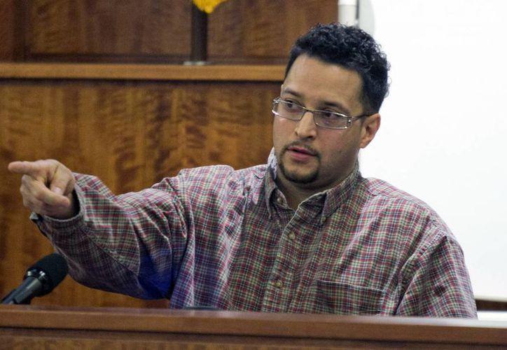 Azia Jenkins, tío de la prometida de Aaron Hernández, testificó contra éste último en el juicio por el asesinato de Odin Lloyd. (Fotos: AP)