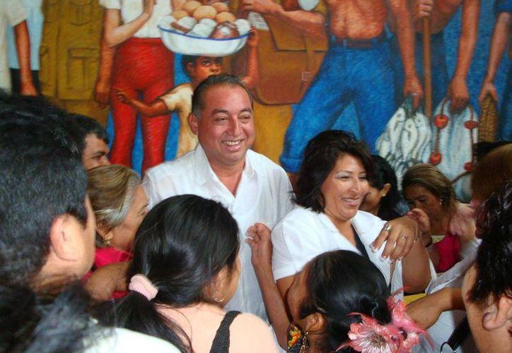El ahora diputado con licencia dijo sentirse satisfecho con su trabajo legislativo, para darle seguimiento Soledad Flota Medina, asume el cargo. (Carlos Yabur/SIPSE)