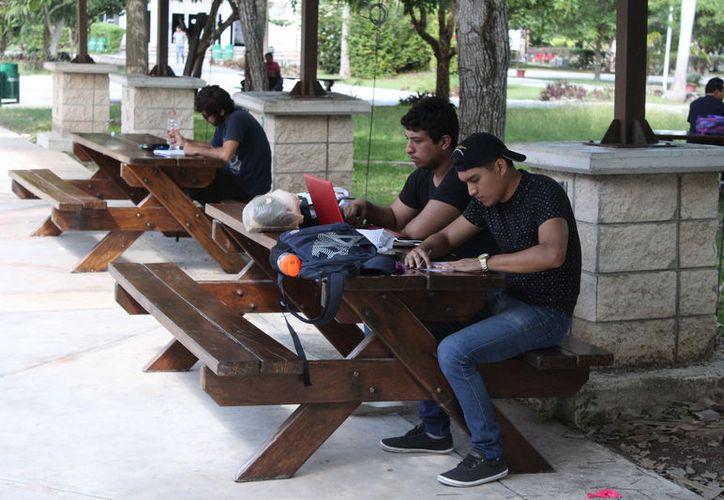 La Uqroo dejó de ser flexible en el cobro de colegiaturas a los universitarios. (Joel Zamora/SIPSE)