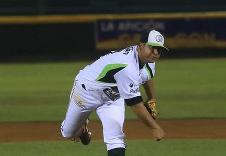 Jonathan Castellanos fue el pitcher ganador en el partido entre Leones y Puebla. (Milenio Novedades)