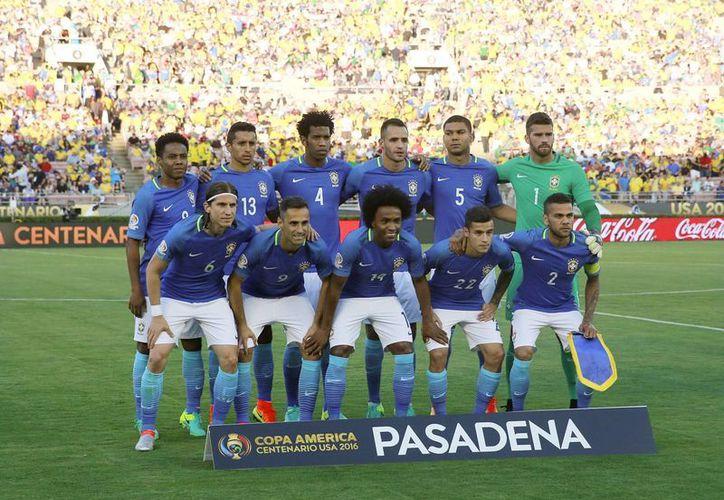 Brasil quiere asegurar su pase a la siguiente fase de la Copa América Centenario este miércoles ante Haití. (Archivo/ AP)