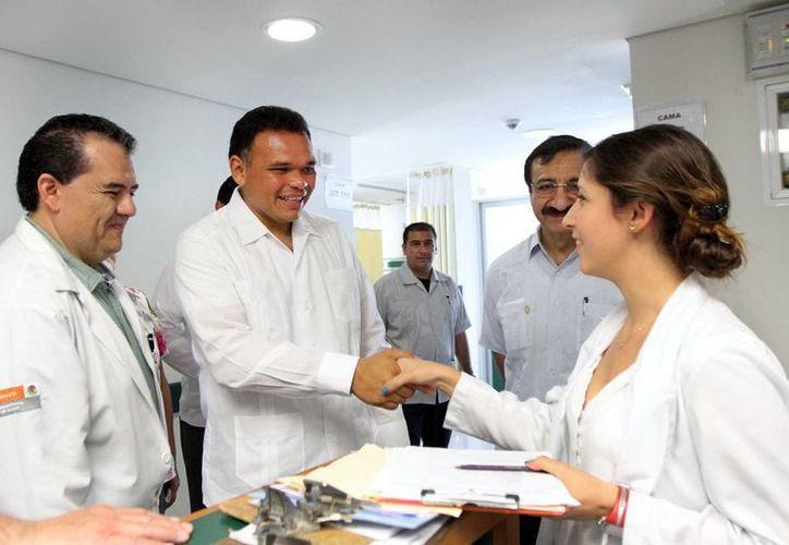 Rolando Zapata recorrió ayer las instalaciones del O'Horán. (Milenio Novedades)