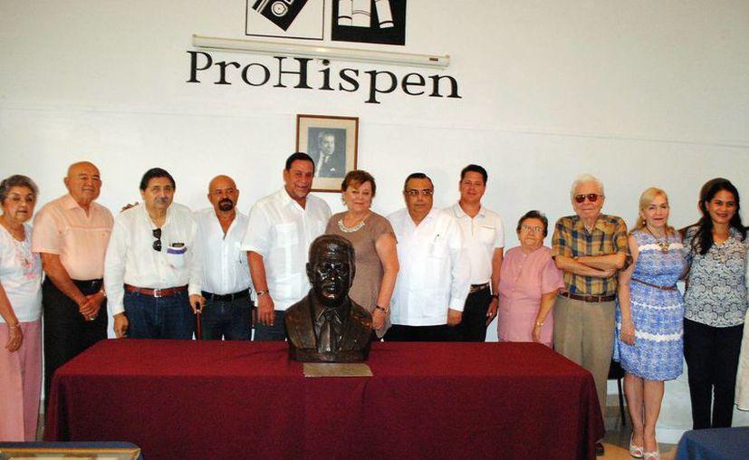 Como parte de las actividades programadas con motivos del año de Jorge Ignacio Rubio Mañé presentaron una escultura del historiador yucateco en el centro cultural de patronato pro historia peninsular de Yucatán. (Milenio Novedades)