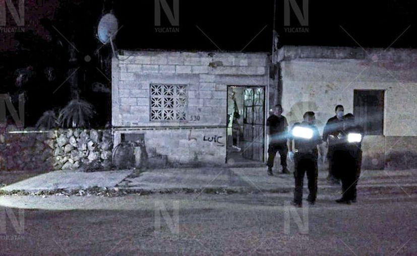 Al lugar llegaron policías municipales y estatales, así como una ambulancia de la SSP y la Cruz Roja. (Novedades Yucatán)