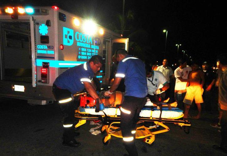 Una mujer casi pierde una pierna tras ser atropellada en el Arco Vial de Playa del Carmen. (Redacción/SIPSE)
