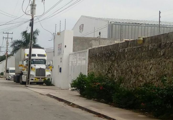 La empresa se ubica sobre la calle Los Olivos, lote 20, manzana 76, de la Supermanzana 310. (Eric Galindo/SIPSE)