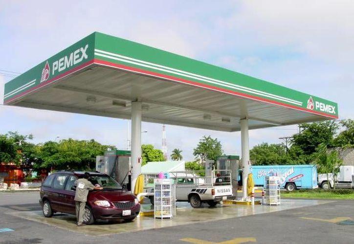 A partir del año entrante y después de 70 años se verán gasolineras de otras marcas en México. (Milenio Novedades)