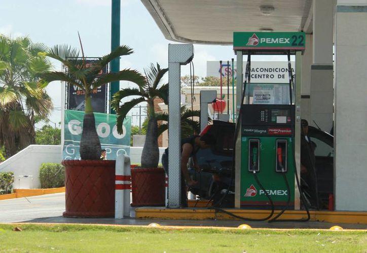 En Quintana Roo se contemplan marcas como Oxxo Gas, y recientemente, Full Gas anunció que abrirán gasolineras en el estado.  (Luis Soto/SIPSE)