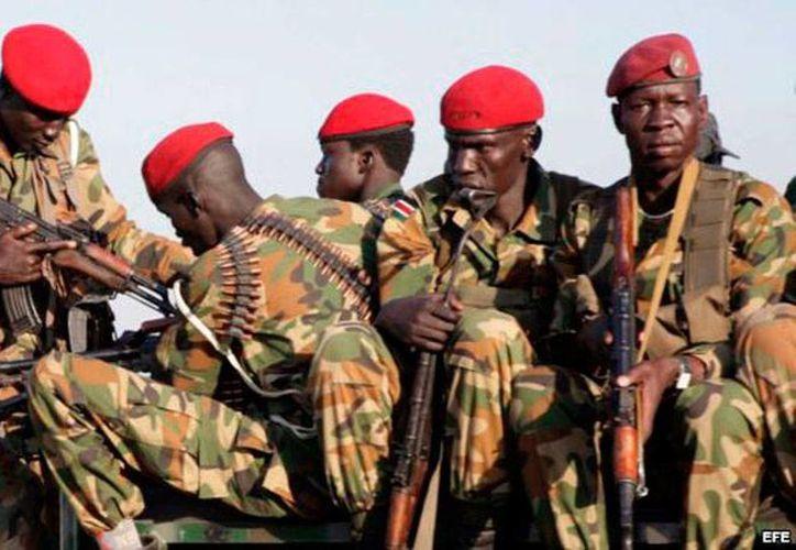 Hombres armados atacaron un convoy del Ejército de Sudán del Sur; murieron 11 personas. La imagen es de contexto. (martinoticias.com)