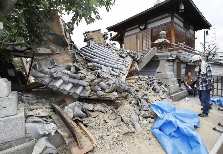 Decenas de temblores menores han sido registrados por la Agencia Meteorológica de Japón. (Twitter)