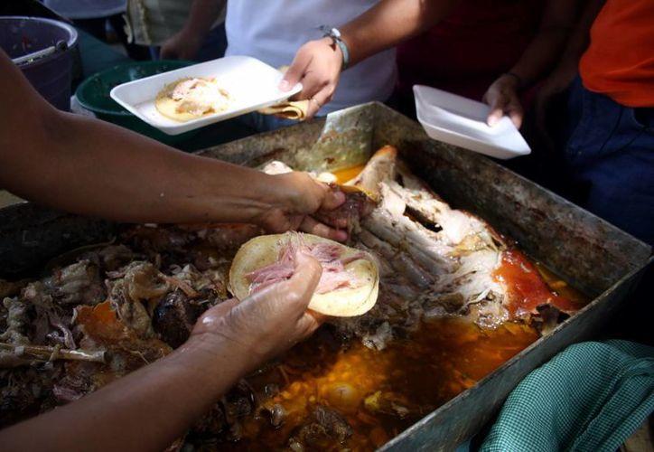 El Mundial de la Cochinita que se celebrará este domingo en Mérida incluirá actividades familiares como brincolines, títeres y música en vivo. (SIPSE)