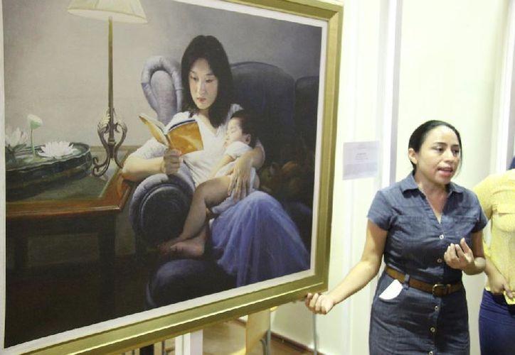 La exposición junta obras de más de una decena de artistas. (Redacción/SIPSE)
