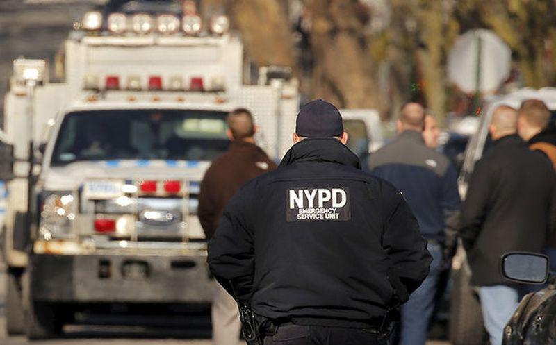 Apuñalan a varias personas en una escuela de Nueva York