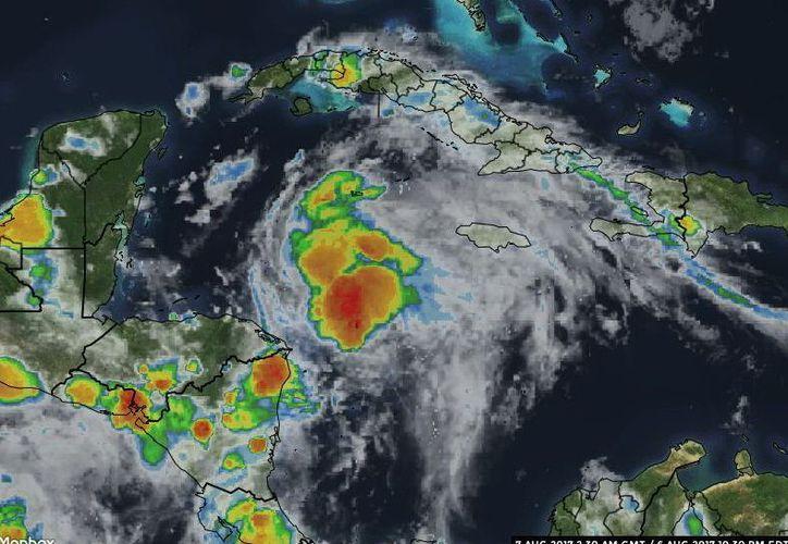 """Anoche, """"Franklin"""" se ubicaba en el oeste del Mar Caribe. (Foto de Milenio Novedades)"""