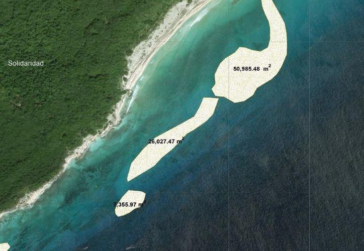 La arena sería extraída de los bancos por medio de una draga que transportaría la arena hasta el punto de recuperación, a 45 kilómetros al sur de Playa del Carmen. (Octavio Martínez/SIPSE)