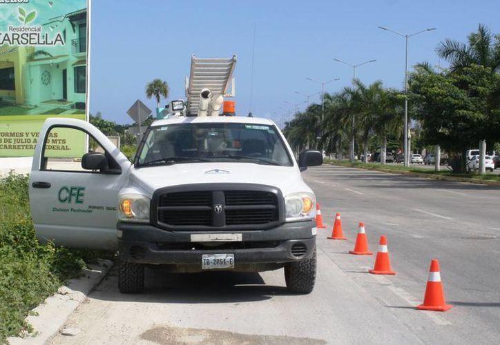 La CFE denunció ante la PGR el hallazgo de ocho medidores alterados en Puerto Aventuras. (Octavio Martínez/SIPSE)