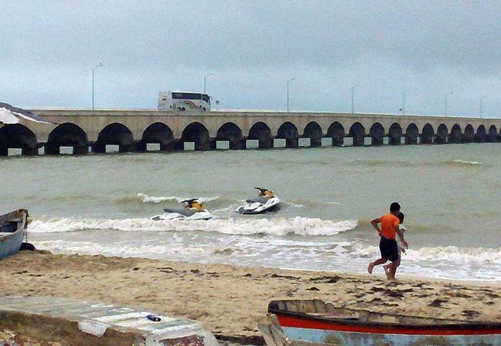 """La lancha """"Andariega de Mar I"""" salió de Progreso (foto) para pescar carnada y naufragó frente a costas de Sisal. (Milenio Novedades)"""