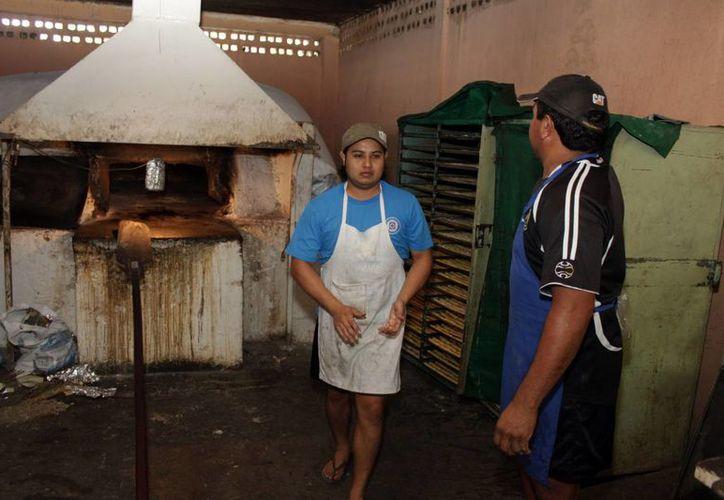 Desligarse de la cámara empresarial es la única salida que vislumbran los panaderos. (Francisco Sansores/SIPSE)