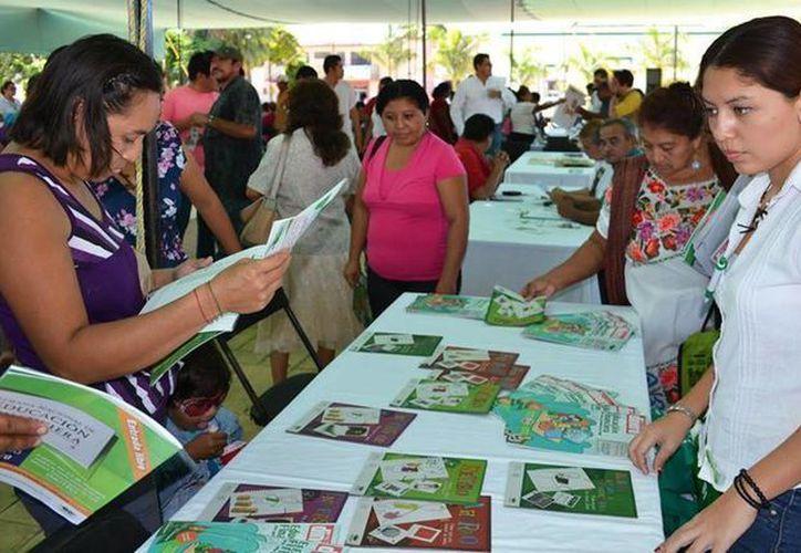 La Feria de Programas y Servicios Federales en Motul. (SIPSE)