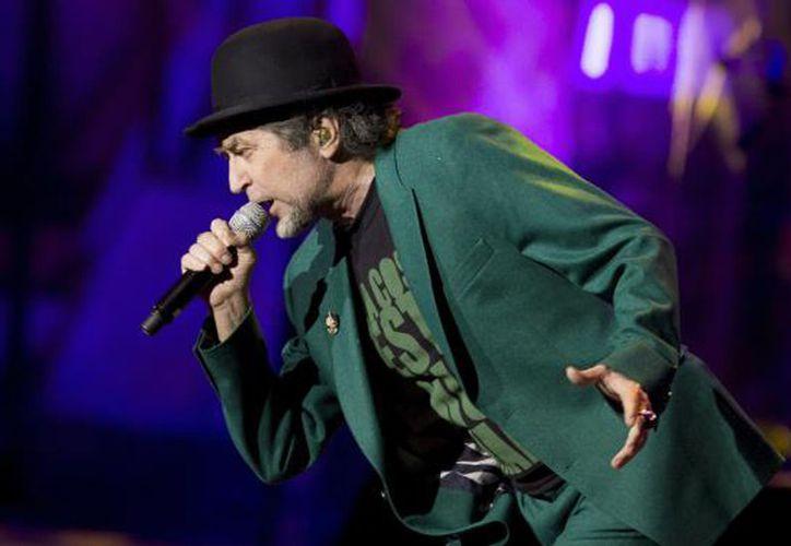 Joaquín Sabina reprogramó los conciertos que iba a ofrecer los próximos días 4,6 y 7 del mes de mayo.(Notimex)