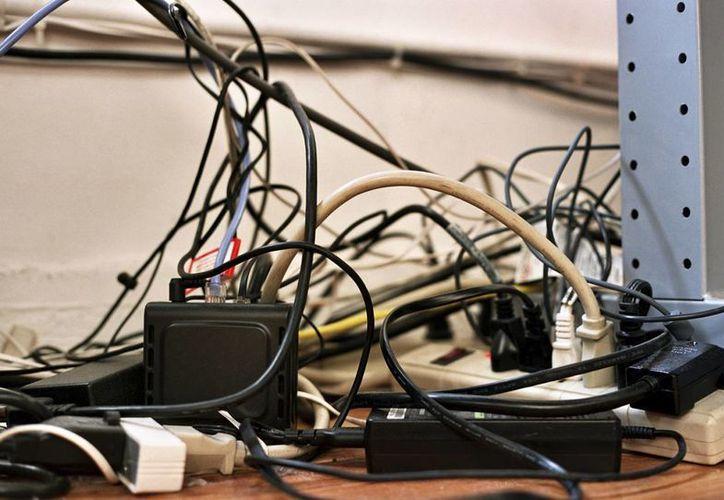 En las colonias aledañas también se generan constantemente catástrofes porque hay muchos cables sin ningún tipo de seguridad. (Contexto/Internet)
