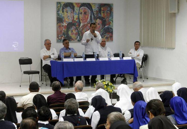 Imagen del Congreso Provincial de la Vida Consagrada, que fue inaugurado por el Arzobispo de Yucatán. (César González/SIPSE)