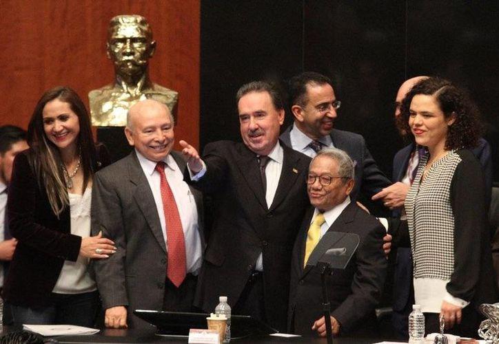 Armando Manzanero es uno de los candidatos para recibir la medalla 'Belisario Domínguez', el cual se entregará en las próximas semanas.(Notimex)