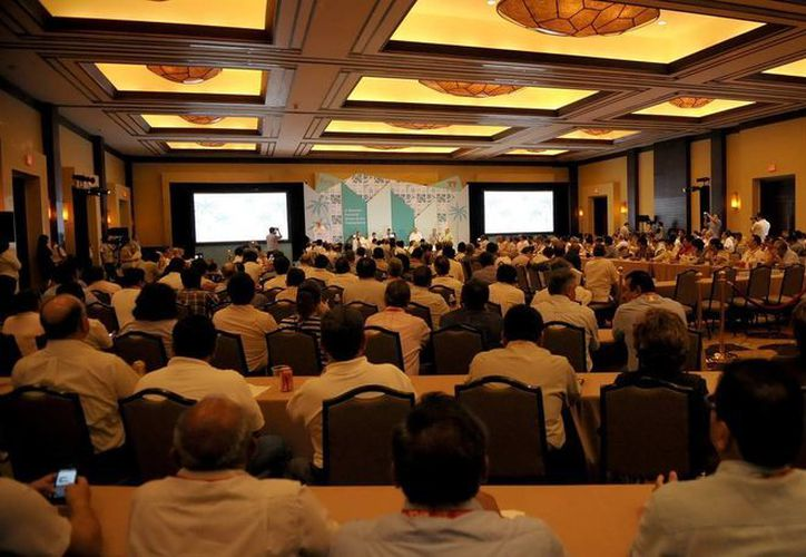 En este foro se reúnen más de 300 representantes de la Dirección Sectorial de los Trabajadores que conforman al Infonavit. (Redacción/SIPSE)