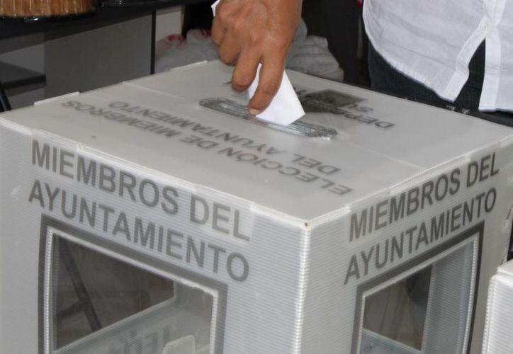 Los representantes de los tres principales partidos políticos notan un 'hartazgo' de los ciudadanos en cuando a la política. (Redacción/SIPSE)