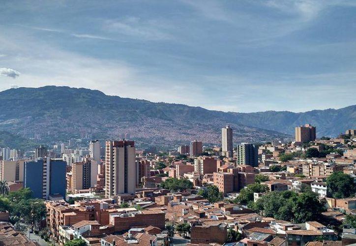 Las estadísticas muestran que en 2014 Colombia creció un 4.6 por ciento. En la imagen, una panorámica de la ciudad de Medellín. (Archivo/Notimex)